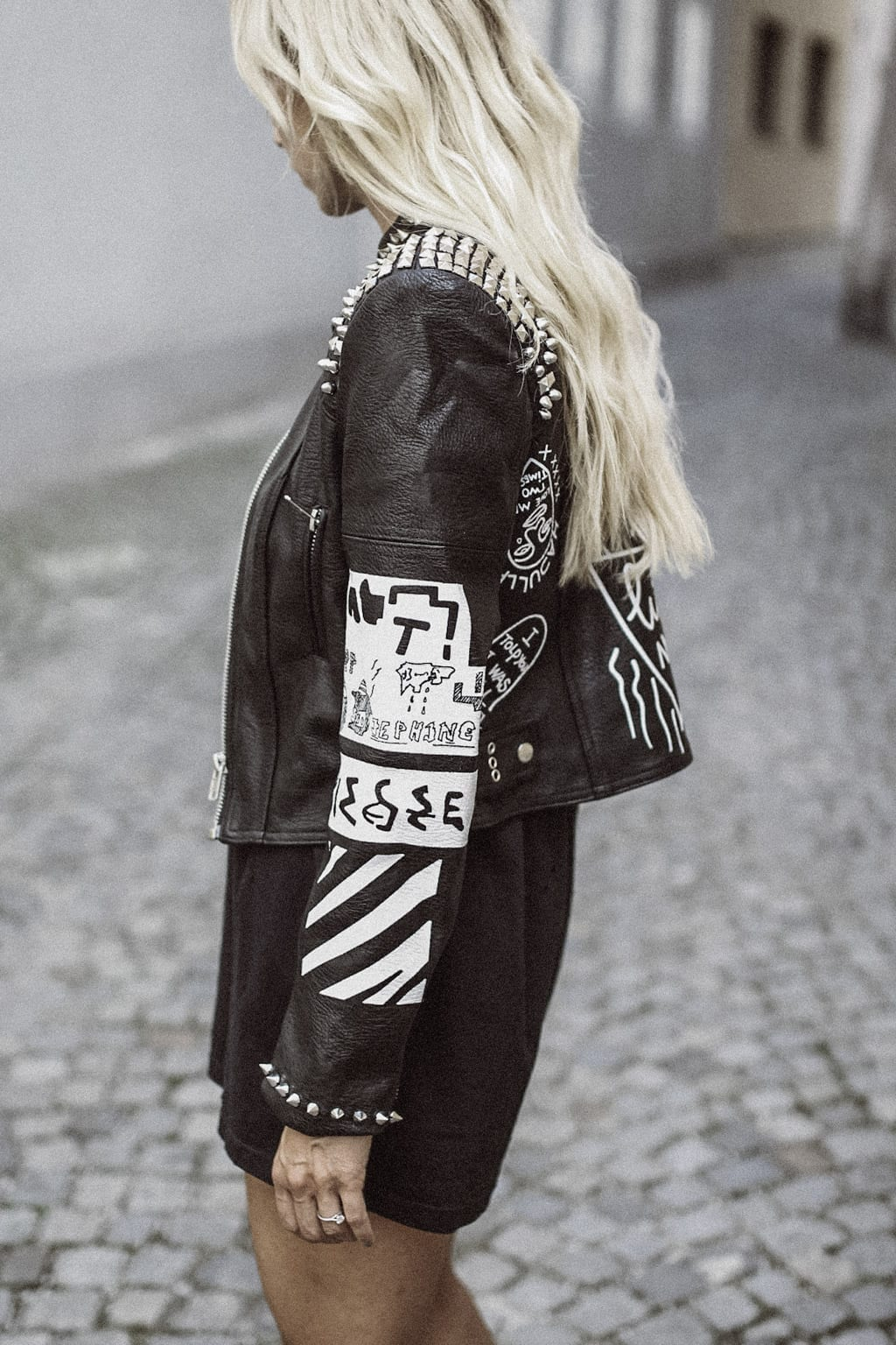 CK-1606_salzburg-fashion-street-style-look-magazine-karin-kaswurm-electric-love-2016-festival-leather-jacket-8798