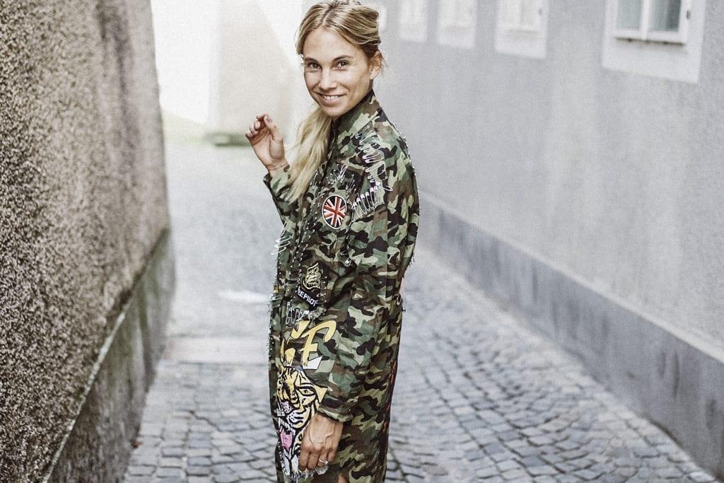 CK-1606_salzburg-fashion-street-style-look-magazine-karin-kaswurm-electric-love-2016-festival-camouflage-military-jacket-8925