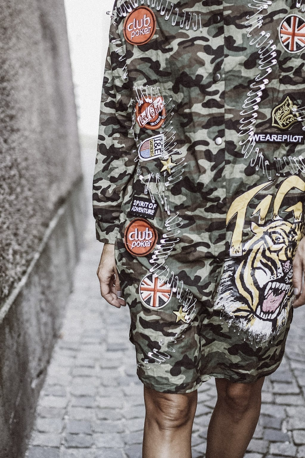 CK-1606_salzburg-fashion-street-style-look-magazine-karin-kaswurm-electric-love-2016-festival-camouflage-military-jacket-8931