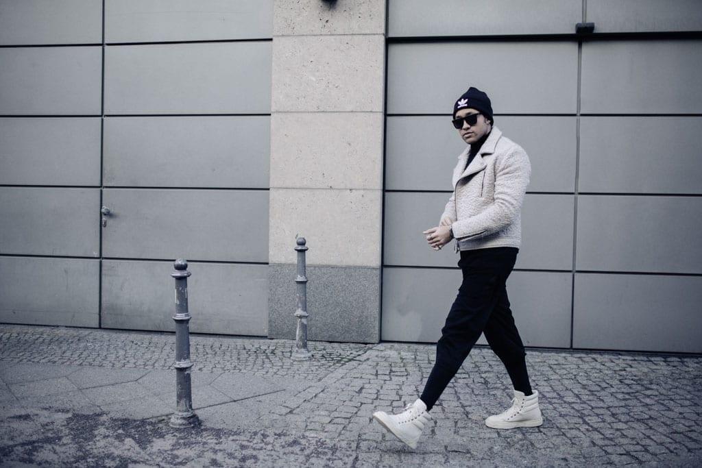 Ilja jay auf den Straßen Berlins